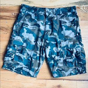 Men's camouflage cargo shorts